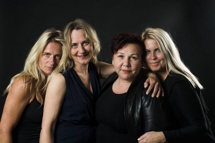 4 meiden
